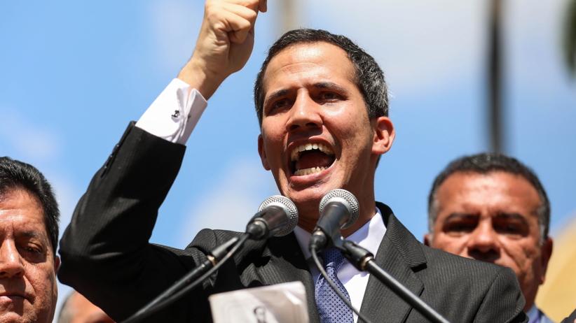 Przewrót w Wenezueli. Lider opozycji ogłosił się tymczasowym prezydentem. Uznał go Trump