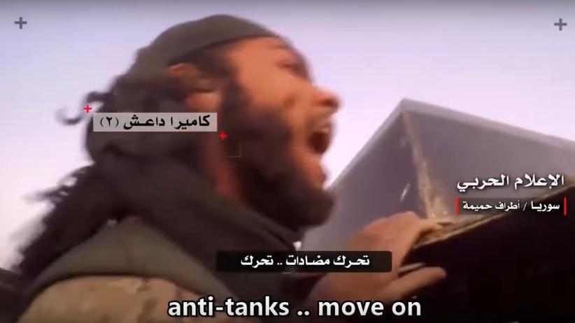 Wideo prosto z pola walki. Dżihadyści płaczą ze strachu przed nadjeżdżającym czołgiem [WIDEO]