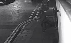 Wielka Brytania: 51-latek udusił żonę. Jej ciało ukrył w walizce. Wpadł przez monitoring [WIDEO]