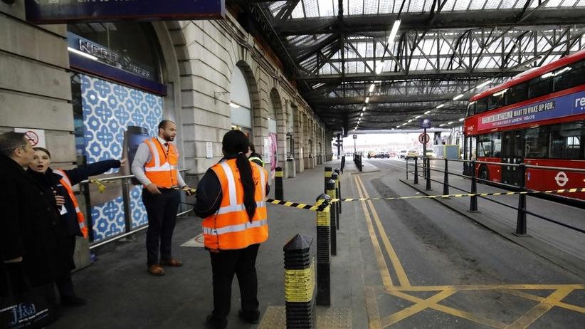 Na lotniskach znaleziono bomby. Kolejna trafiła na dworzec