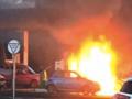 Wlała paliwo do wnętrza samochodu. Gdy odpaliła papierosa... [WIDEO]