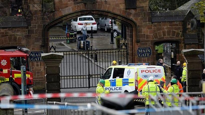 Ewakuacja dwóch uniwersytetów oraz banku w Wielkiej Brytanii. Powodem podejrzane paczki