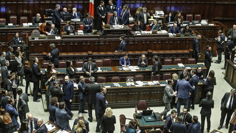 Głosowanie nad wotum zaufania dla rządu Giuseppe Contego we Włoszech. Znamy wynik