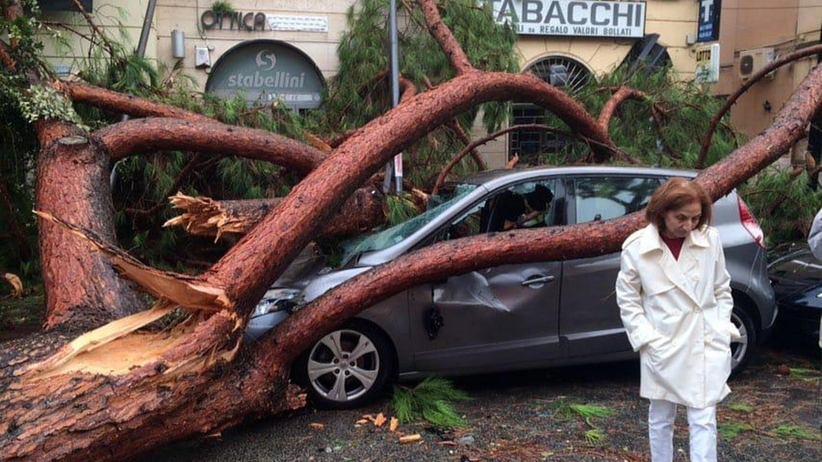 Włochy: powódź i trąby powietrzne. Są ofiary