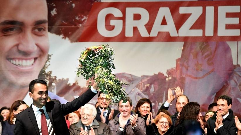 Wybory we Włoszech: politycy obiecali w kampanii dochód podstawowy. Obywatele już ich rozliczają