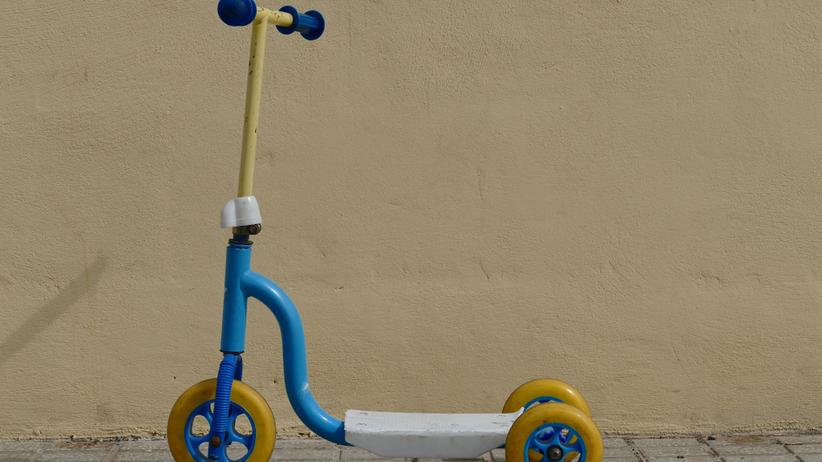 4-letni chłopiec jeździł na hulajnodze. Straż miejska była bezwzględna
