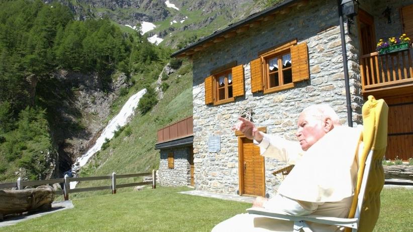Dom im. Jana Pawła II wystawiony na sprzedaż