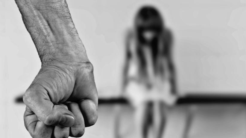 Była skuta łańcuchem, gwałcona i bita. Horror trwał 10 lat