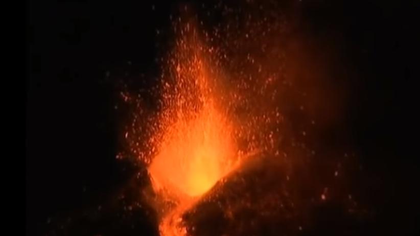 Spektakularna erupcja Etny. Wyrzuty sięgały kilkuset metrów [WIDEO]