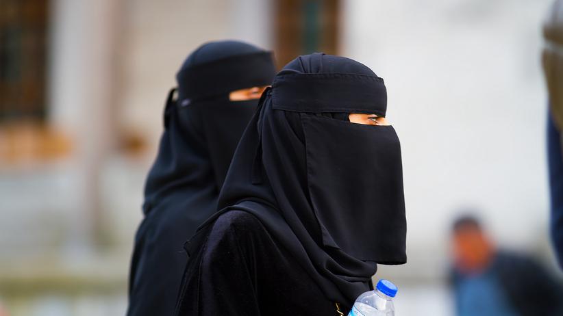 Kobiety w burkach