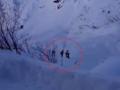 Ratownicy znaleźli ciała trzech narciarzy. Jeździli w zabronionym miejscu [WIDEO]