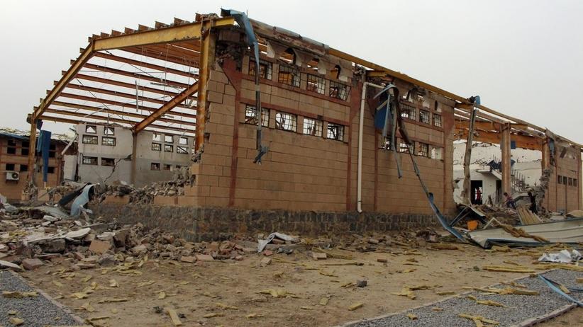 Wojna w Jemenie: atak na ważne miasto portowe