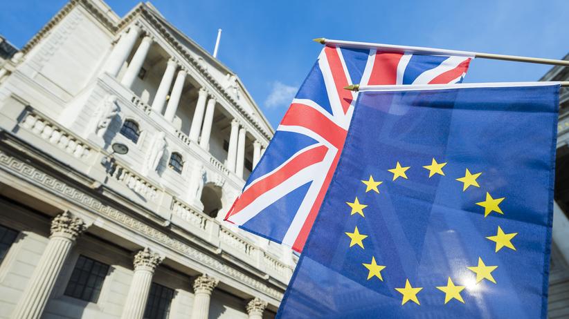 """""""Politico"""" o porozumieniu w sprawie Brexitu. Ambasadorowie dementują"""