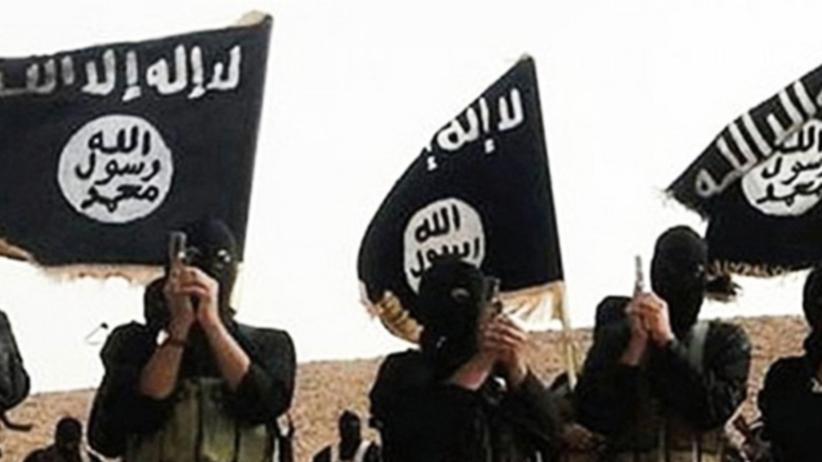 Wstrząsające relacje seksualnej niewolnicy ISIS: Gwałciło mnie jednocześnie 6 mężczyzn