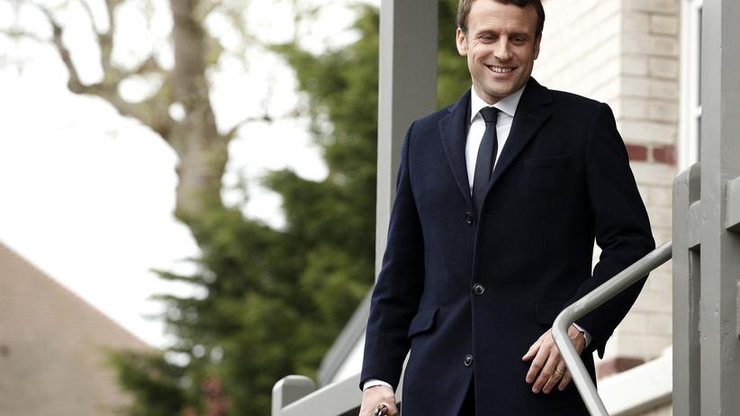 Macron: odwracamy dziś stronicę życia politycznego
