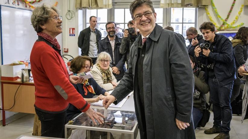 Wybory we Francji. Frekwencja w samo południe