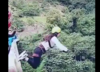 Koszmarny wypadek na bungee w Boliwii. Lina była za długa [WIDEO]