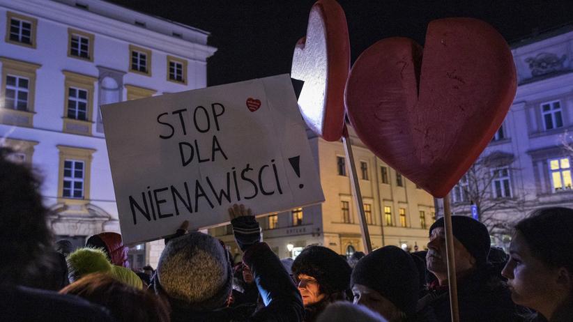 """""""Polaryzacja"""", """"klimat nienawiści"""". Zagraniczne media o sytuacji w Polsce"""