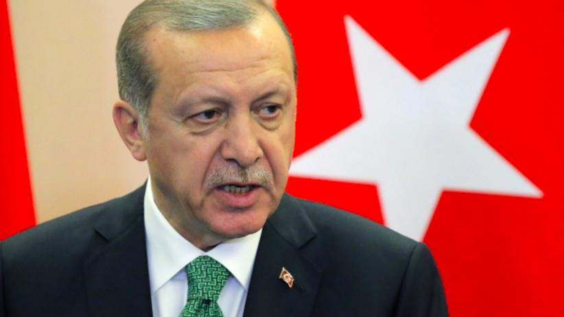 Kolejny zakaz w Turcji. Erogan zabronił randkowania