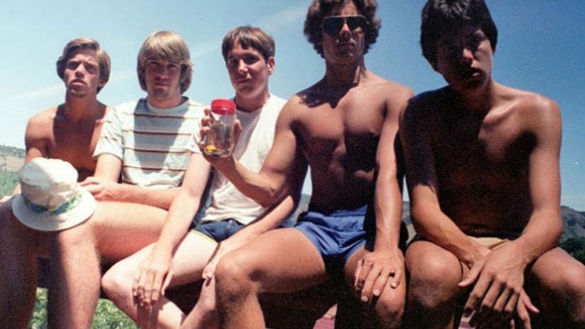 5 kolegów robiło sobie takie samo zdjęcie przez 30 lat