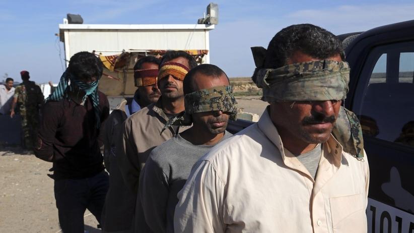 Znaleziono masowy grób ze zwłokami 40 ofiar dżihadystów z ISIS. Wśród nich kobiety i dzieci