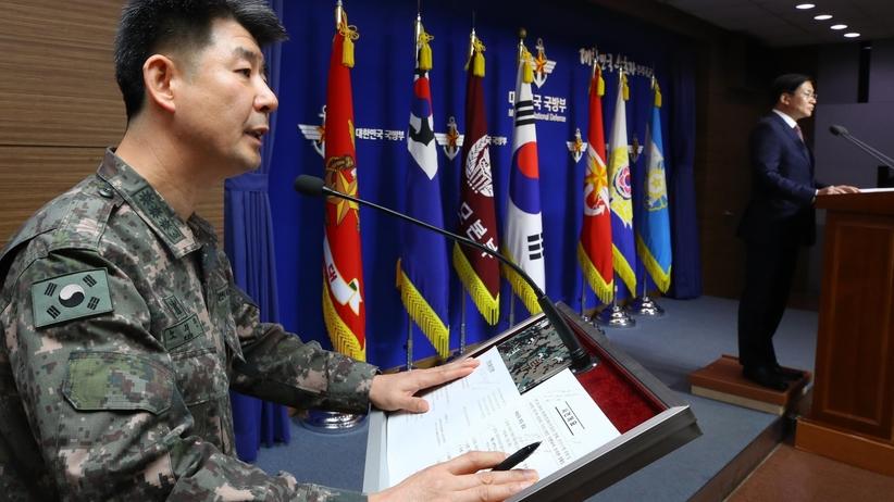 Żołnierz chciał uciec z Korei Północnej. Oddano w jego kierunku kilkadziesiąt strzałów