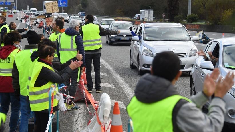 """W Portugalii i Hiszpanii planowane protesty """"żółtych kamizelek"""""""