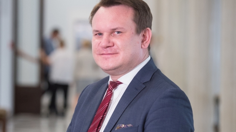 Tarczyński przegrał w sądzie z Wentą. Musi przeprosić i wpłacić na WOŚP