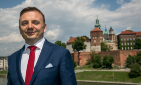 ''Nie sprzedam się PiS-owi czy Majchrowskiemu''. Wojna o głosy w Krakowie