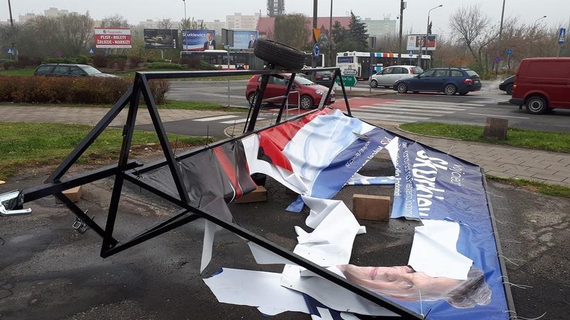 Wybory 2018. Radom. Zniszczono banery kandydata PiS Wojciecha Skurkiewicza
