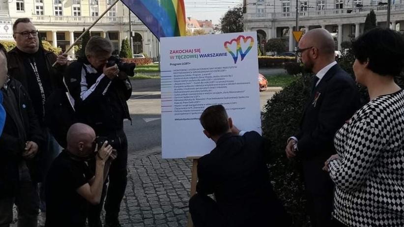 https://gfx.wiadomosci.radiozet.pl/var/radiozet-wiadomosci/storage/images/wybory-samorzadowe-2018/informacje/wybory-2018.-sld-podpisalo-samorzadowa-karte-lgbt.-apeluje-tez-do-trzaskowskiego/656839-1-pol-PL/SLD-podpisalo-deklaracje-ws.-praw-osob-LGBT.-Jest-tez-apel-do-Trzaskowskiego_article.jpg