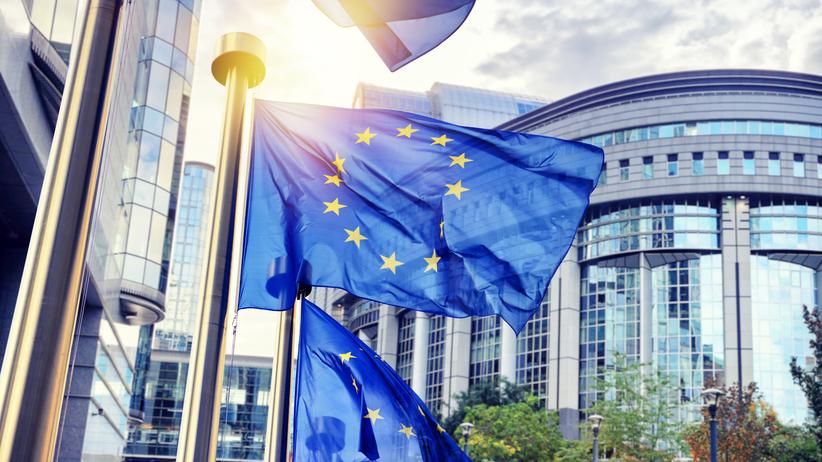 Nowy eurosondaż. PiS górą nad KE