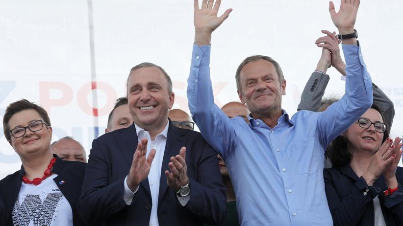 Marsz Koalicji Europejskiej z udziałem m.in. Tuska i Kwaśniewskiego