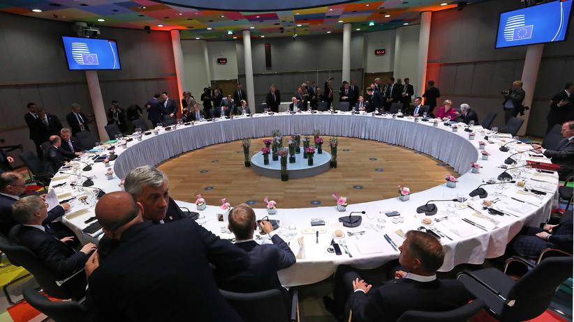 Podział stanowisk w UE. Timmermans wśród kandydatów na szefa KE