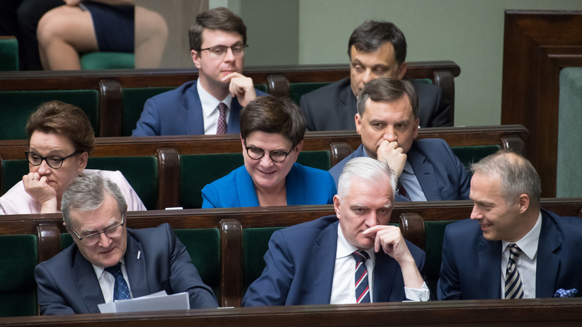 Będzie rekonstrukcja rządu. Ministrowie jadą do Brukseli