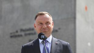 """Andrzej Duda przerywa milczenie ws. koronawirusa. """"Jestem. Nie zniknąłem"""""""