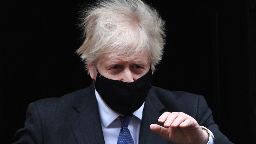 Boris Johnson, brytyjski szczep koronawirusa