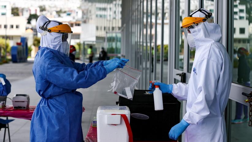 COVID-19. Sprawdzają szybkie testy na koronawirusa. Dają wynik w 20 minut