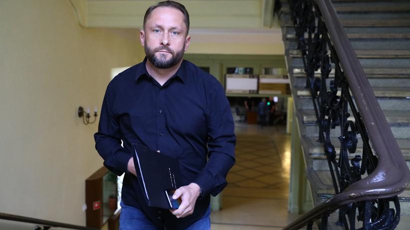"""Kamil Durczok zapowiedział złamanie reguł kwarantanny. """"Łapcie nas, matoły"""""""