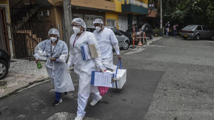 Ratownicy medyczni w Medellin w Kolumbii