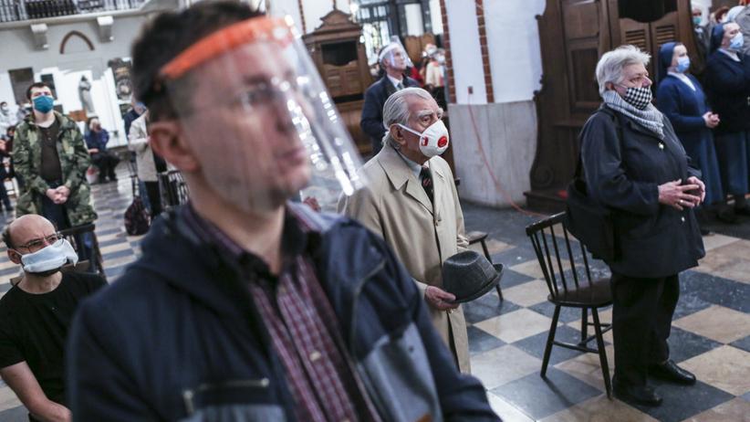 Wraca obowiązek uczestnictwa w mszy świętej. Diecezje zdejmują dyspensę