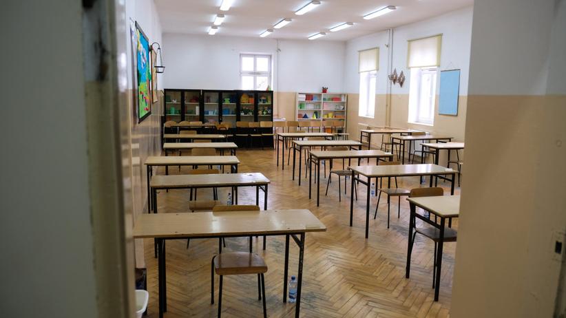 pusta szkoła