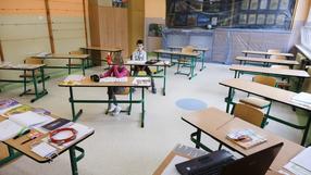 Uczeń chory na astmę musi chodzić do szkoły w czasie pandemii. To decyzja sądu