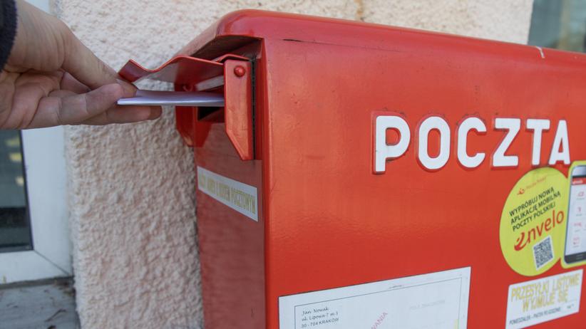 Poczta Polska będzie otwierać koperty? Kontrowersyjne uprawnienia