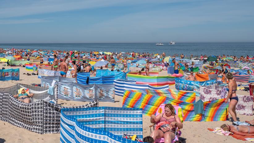 Tak nie pokonamy koronawirusa. Zdjęcia z polskich plaż przerażają
