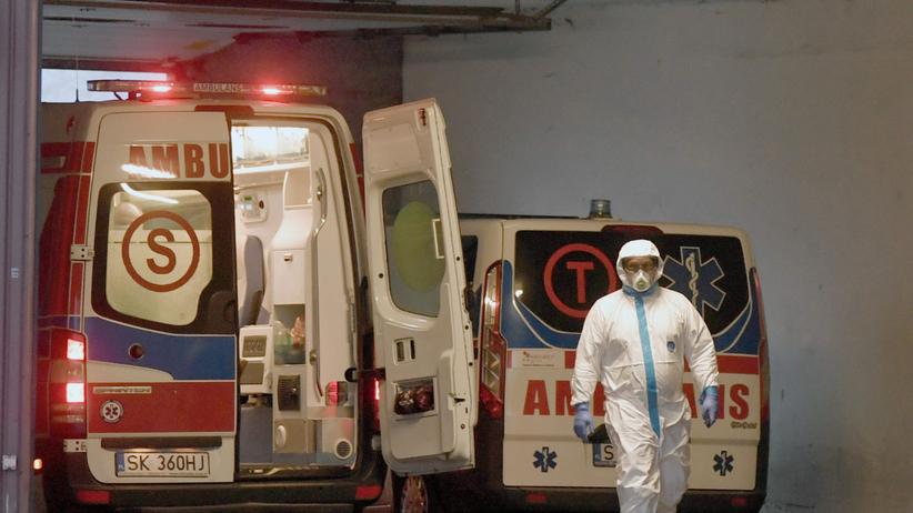 Koronawirus w Polsce. Ponad 700 nowych zakażeń, nie żyje kolejnych 17 osób