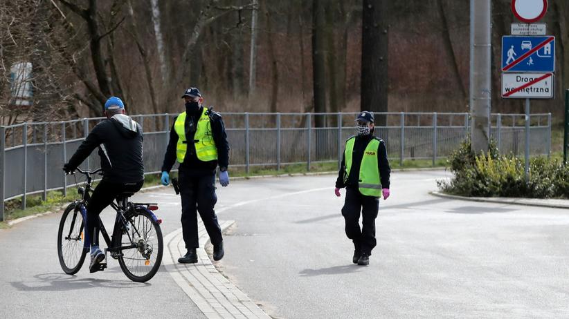 Policja walczy z hejtem