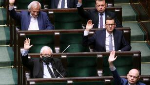Trwa narada Zjednoczonej Prawicy. Głównym tematem budżet UE i walka z pandemią