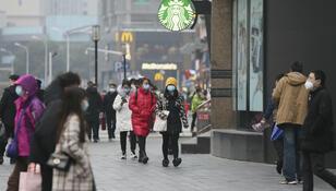 Wuhan rok po wybuchu pandemii. Czynne są szkoły, sklepy, bary i restauracje