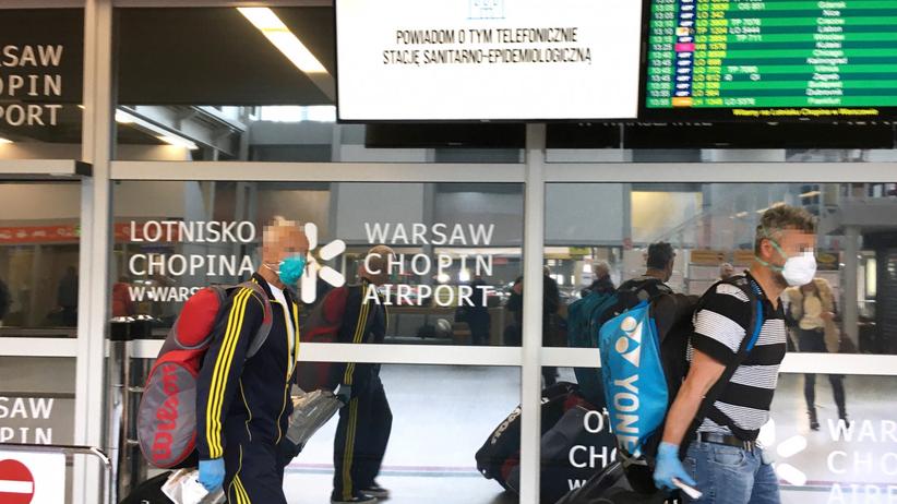 Wznowienie lotów międzynarodowych i krajowych. Kiedy? Rząd komentuje